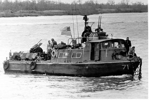 Fast_Patrol_Craft_(Swift_boat)_slow